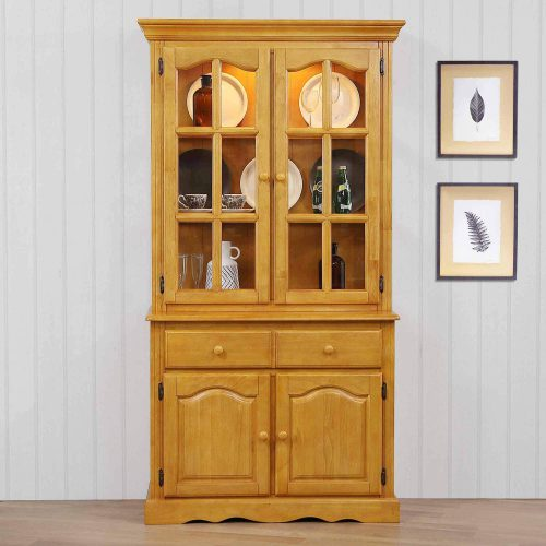 Oak Selections - Keepsake Buffet and lighted hutch in light-Oak in dining room setting DLU-19-BH-LO